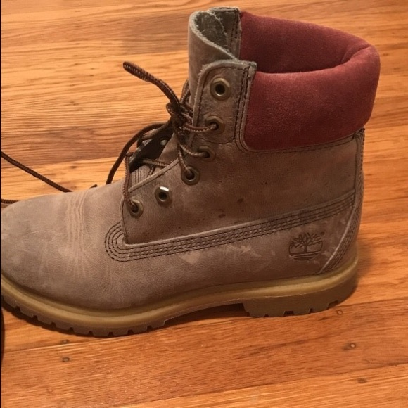 Size 7 women's timberland boots